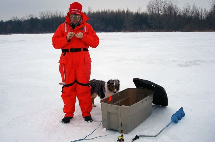 How to Choose Ice Fishing Clothes